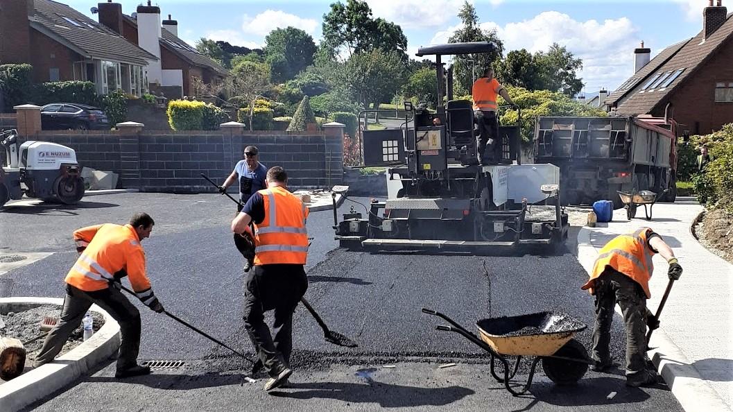 Resurfacing Roads in Tarmacadam and Asphalt